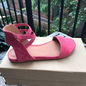 Kenneth Cole Gentle Souls leather sandals